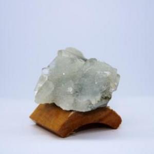 Apophyllite sur quartz f23 3