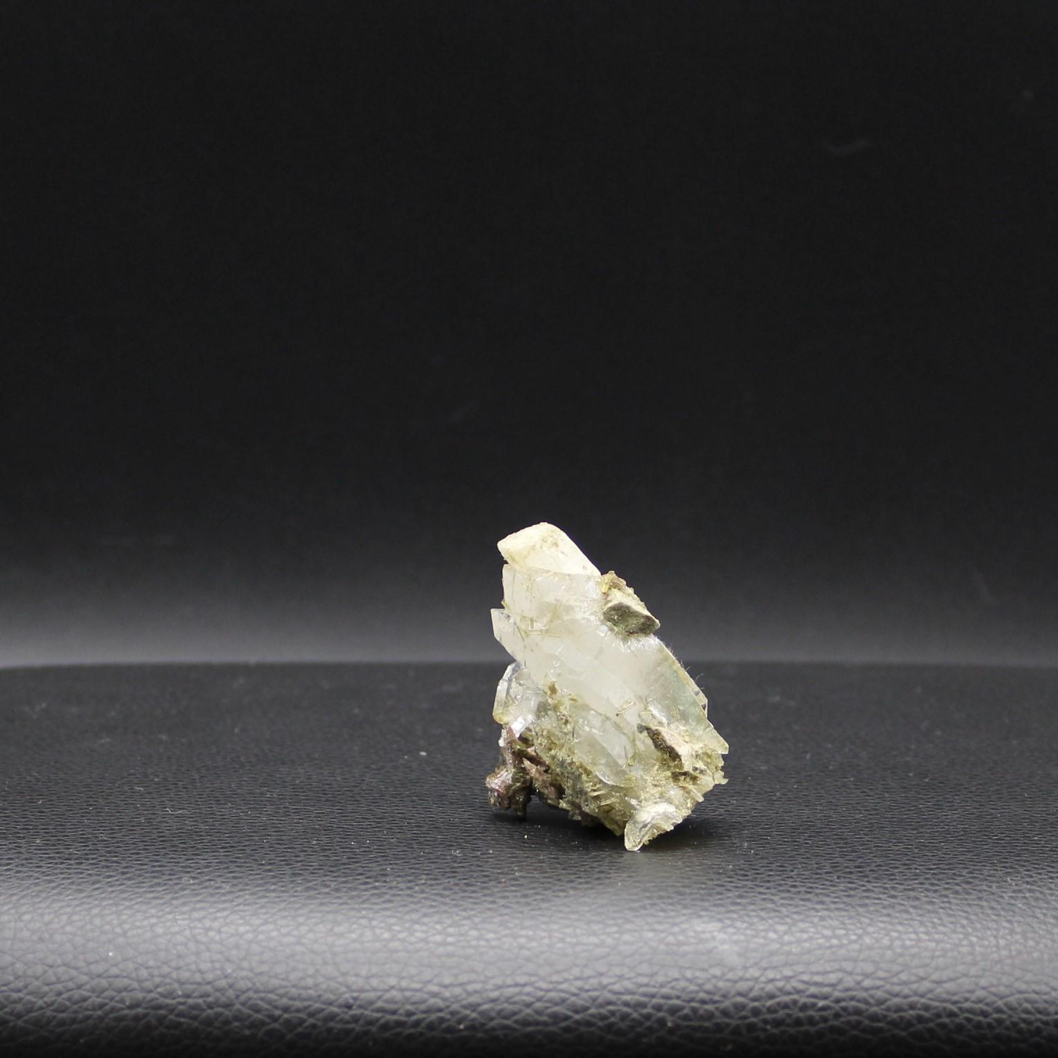 Axinite 33