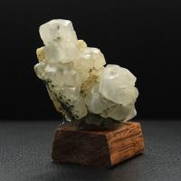Calcite inclusion hematite h78 2