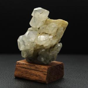 Calcite inclusion hematite h78 3