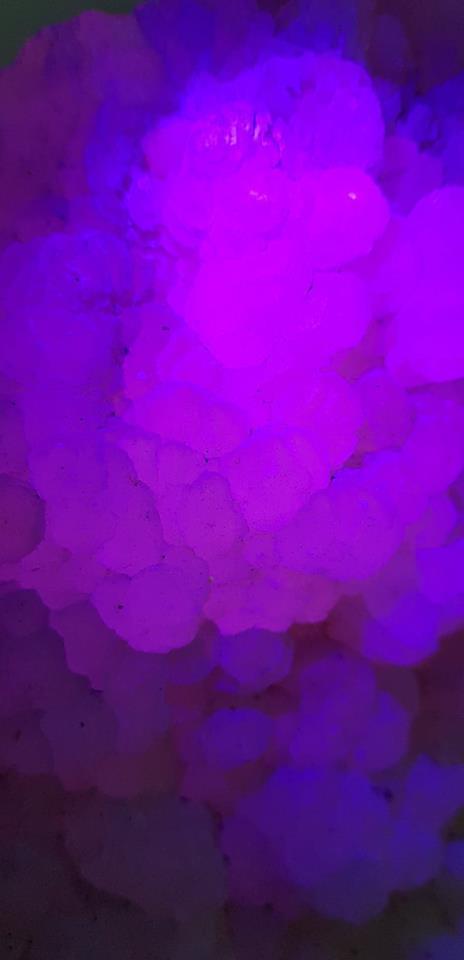 Calcite rose uv 1