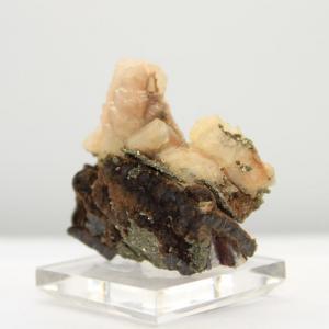 Calcite uv pyrite h84 3