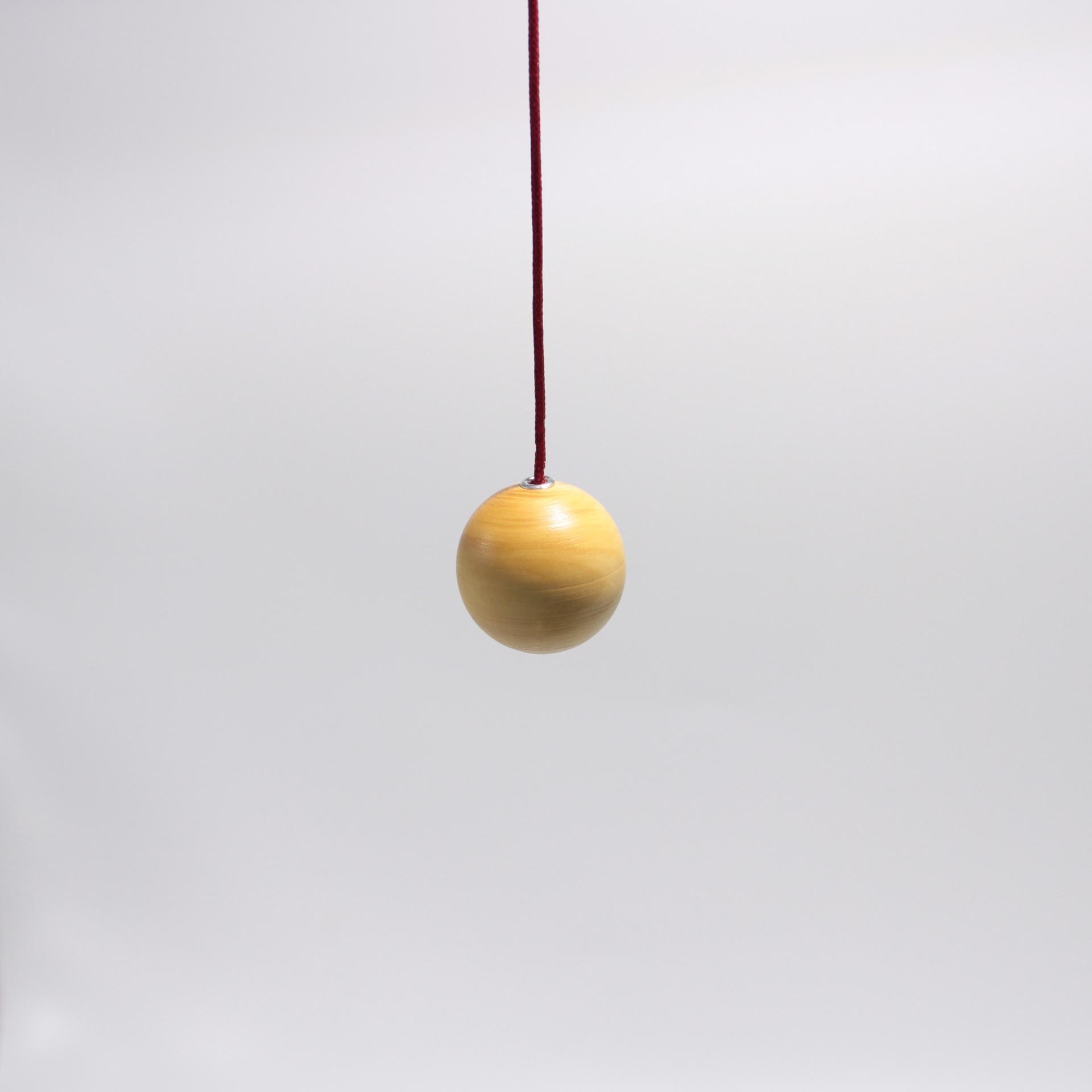 I53 pendule boule buis 1