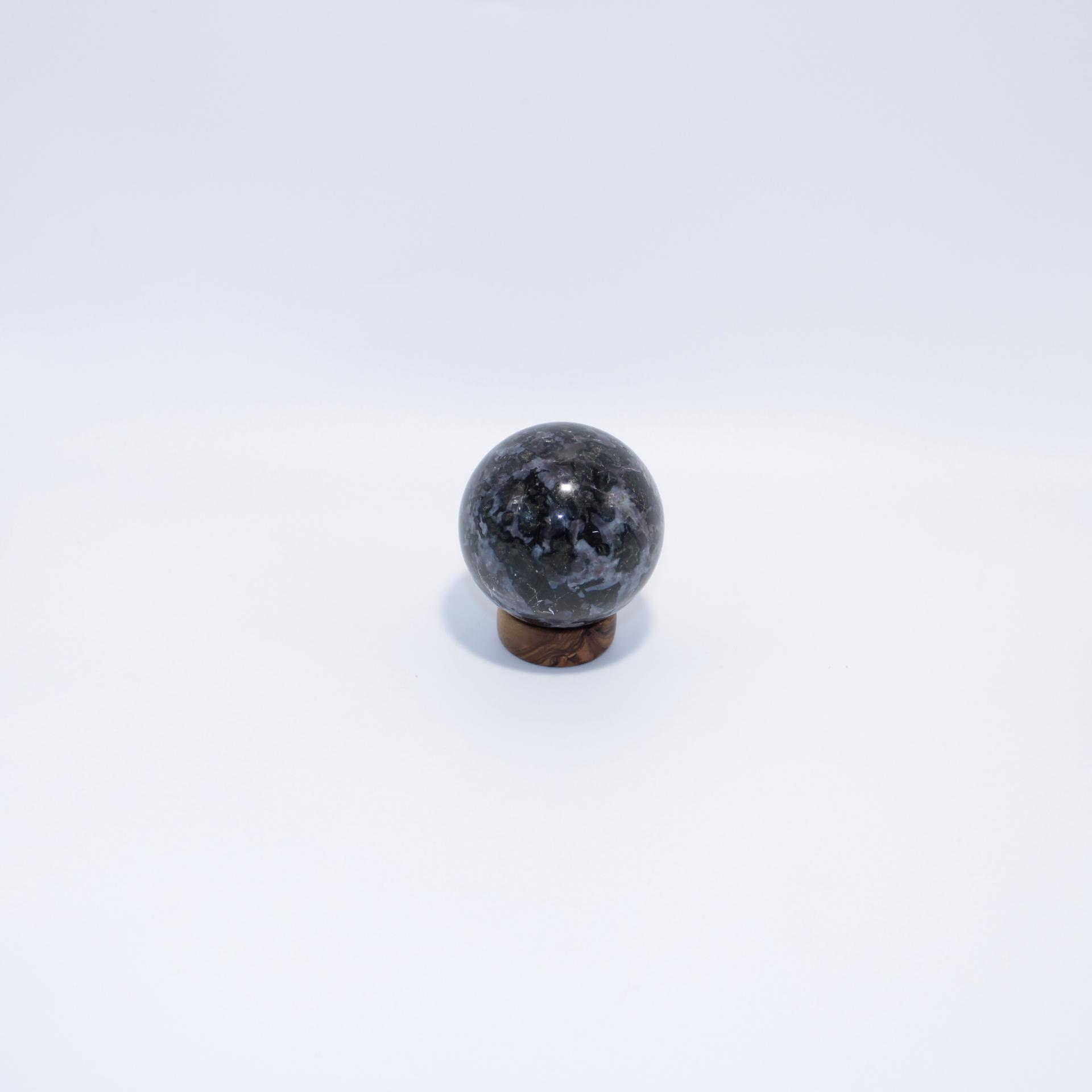 J08 sphere gabbro 3