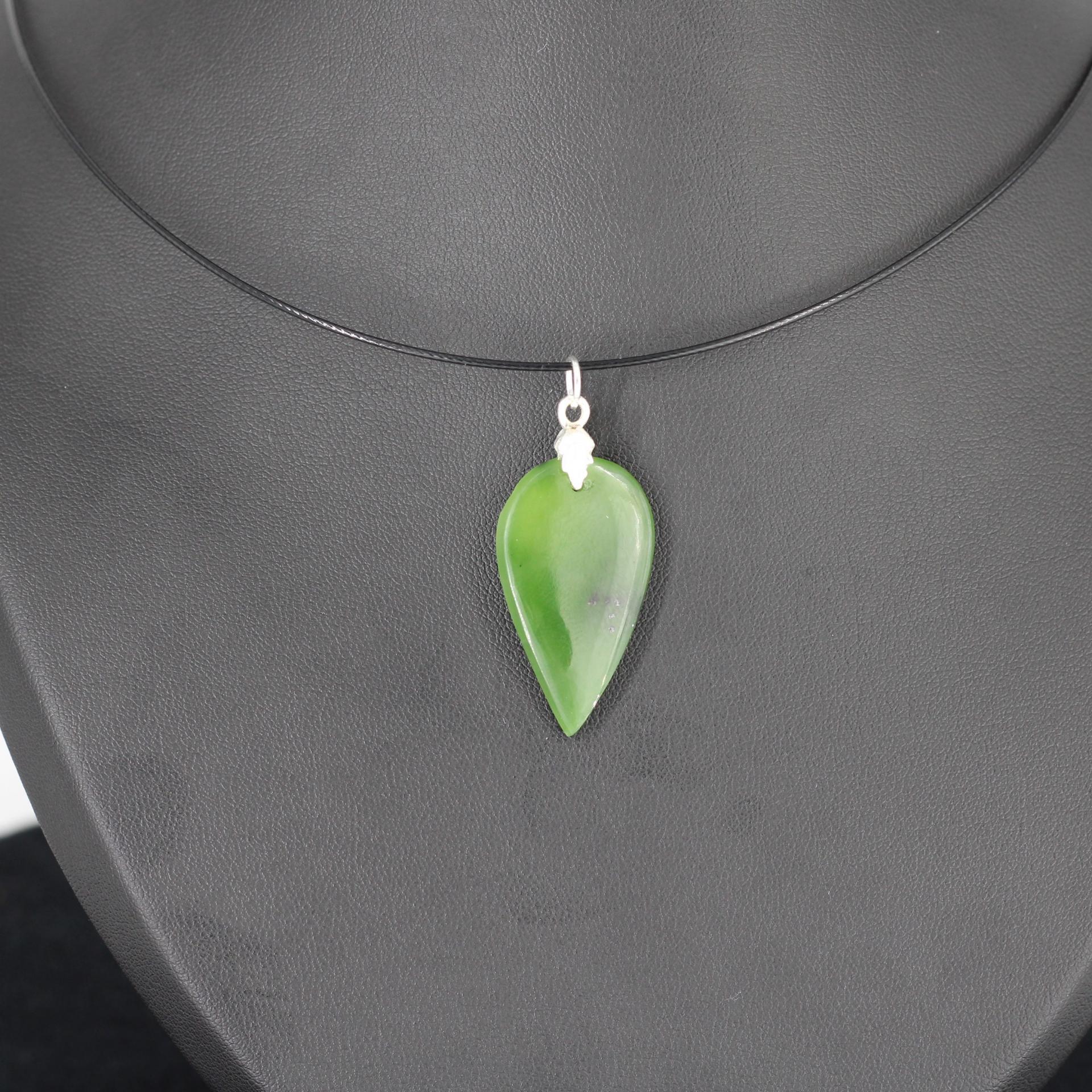 Jade nephrite l86 1
