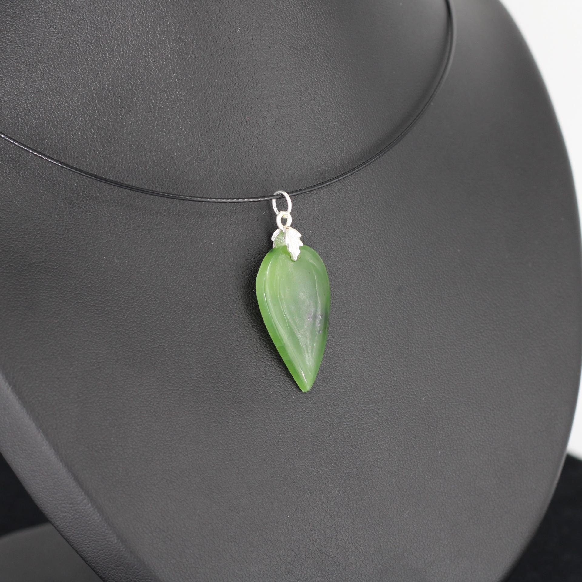 Jade nephrite l86 2