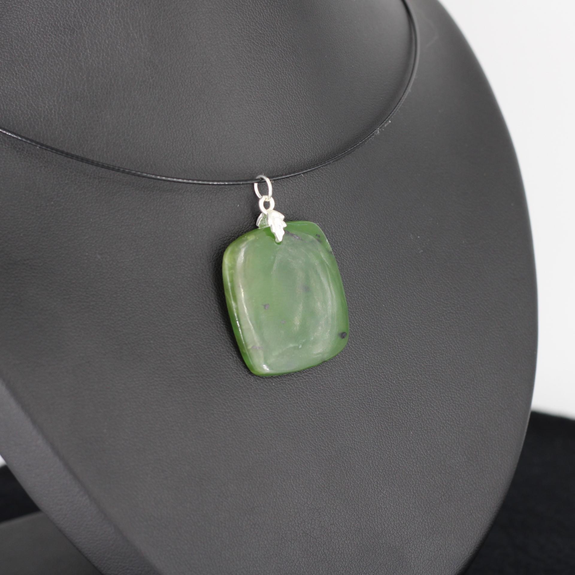 Jade nephrite l88 2