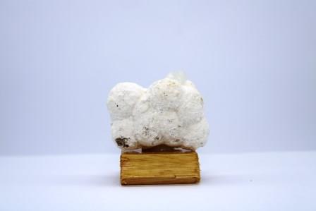 Okenite apophyllite f28 2