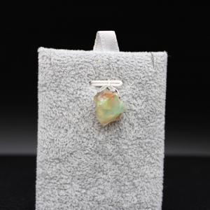 Pendentif pierre opale 83