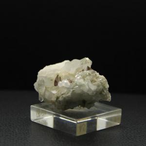 Quartz axinite h68 2